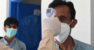 پاکستان کے گرد کورونا وائرس کے سائے منڈلانے لگے