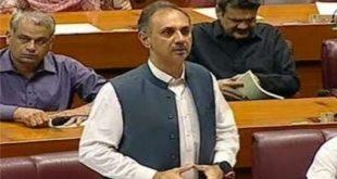 وفاقی وزیر توانائی عمر ایوب کی جانب سے ایسی بات کہہ دی گئی کہ قومی اسمبلی مچھلی منڈی بن گئی
