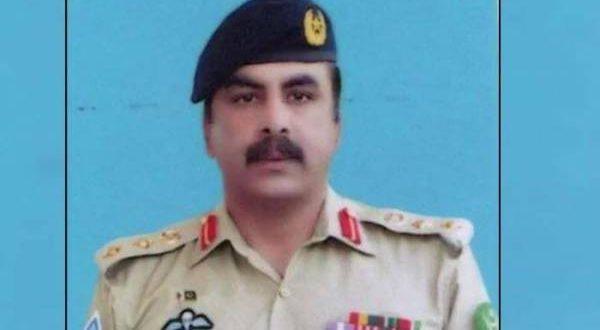 پاک فوج کے شہید ہونے والے کرنل مجیب الرحمان کے بیٹے نے تدفین کے موقع پر کمانڈنگ آفیسر سے کونسی خواہش کا اظہار کر دیا ؟ جان کر آپ کی آنکھیں بھی نم ہو جائیں گی