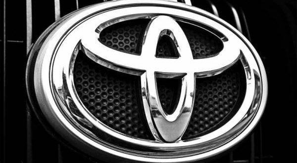 ٹویوٹا اپنی مشہور زمانہ XLI اور GLI کی جگہ کونسی گاڑی متعارف کروانے جارہی ہے اور اس کی قیمت کتنی ہو گی ؟ تفصیلات سامنے آ گئیں
