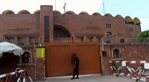 پی ایس ایل کے کراچی میں باقی تین میچز خالی سٹیڈیم میں میچ کروانے سے پی سی بی کو کتنا نقصان ہو گا ؟