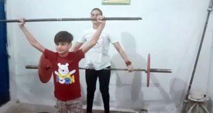 ویٹ لفٹر صائمہ شہزاد کا کمسن بیٹا بھی ماں کے نقش قدم پر چلنے لگا