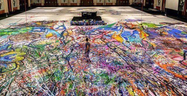 کینوس پر بنی دنیا کی سب سے بڑی پینٹنگ، رقبہ 1980 مربع میٹر