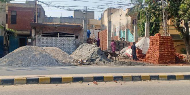 سمن آباد ٹاون میں غیرقانونی تعمیرات کا معاملہ، فریحہ امین AMO , مس نور صبا AMO اور انفصورنمنٹ انسپکٹر ، لینڈ مافیا کا معاون بن گیا