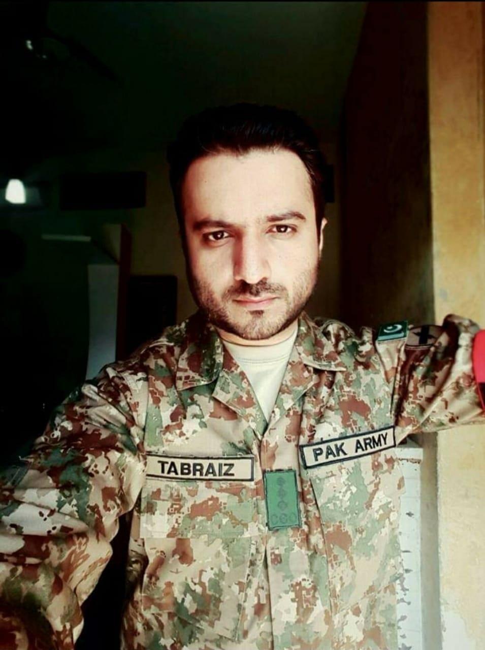 پاکستان ایڈمنسٹریٹو سروسز کا ایک ایسا افسر جس نے اپنی قسمت اپنے ہاتھوں سے لکھی