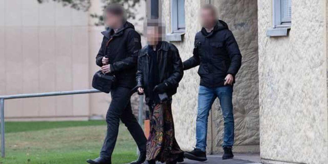 بیٹے کو30 سال تک کمرے میں قید رکھنے والی ماں گرفتار